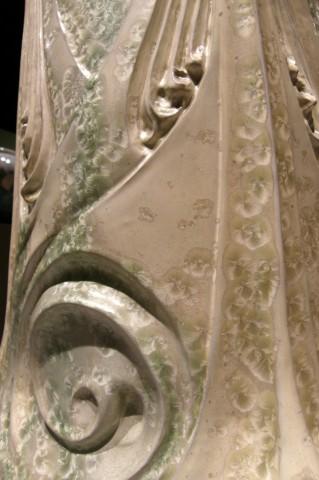 Vase des Binelles, détail. Grès émaillé avec cristallisations. Coll. Cité de la céramique – Sèvres. Photo coll. part.